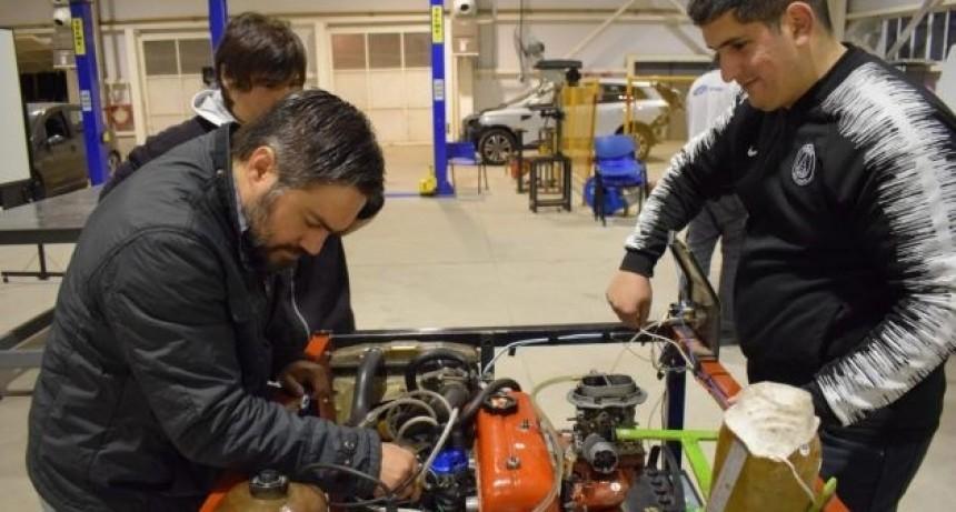 Robótica, la nueva apuesta de la Universidad Provincial de Oficios