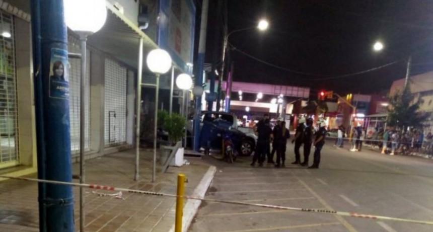 Corrió una picada con su camioneta y atropelló a cuatro personas