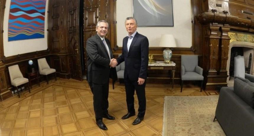 Finalmente, Mauricio Macri aceptará la propuesta de Alberto Fernández y el traspaso de mando se hará en el Congreso