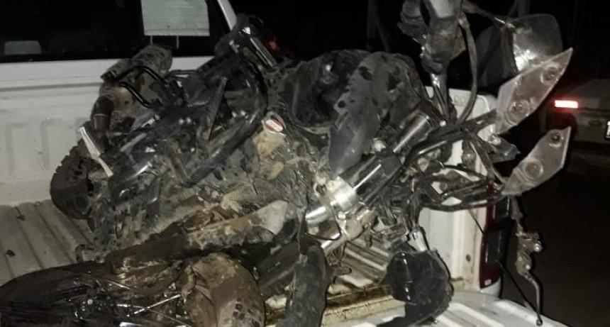 Accidente fatal: un motociclista falleció tras ser chocado por un auto que iba en contramano en la Ruta N° 188