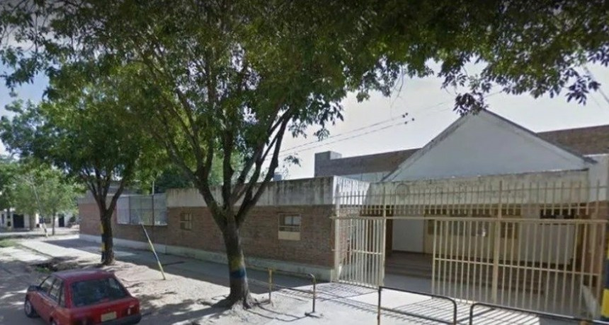Nene de 8 años llevó un arma a la escuela y disparó en el baño