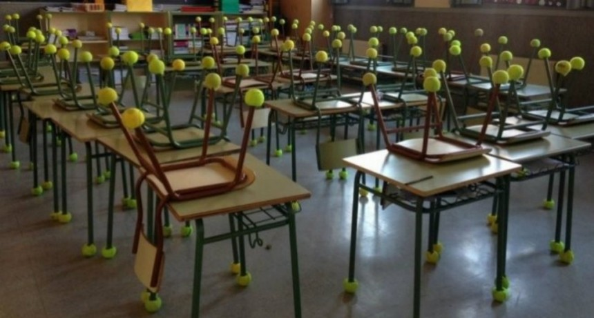 Su hijo tiene autismo y junta pelotas de tenis para hacerle más fácil la escuela