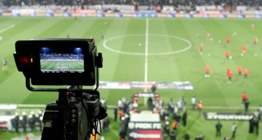 Sobreseyeron a Aníbal Fernández y Abal Medina por los derechos televisivos del programa Fútbol para Todos