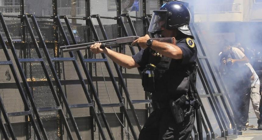 Las fuerzas de seguridad fueron habilitadas a disparar contra sospechosos en fuga
