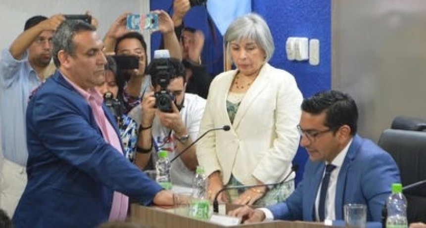 El concejal Cabrera criticó duramente a Roberto González Espíndola