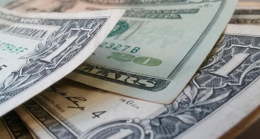El dólar sigue con su tendencia alcista: subió 9 centavos y cerró a $39,25