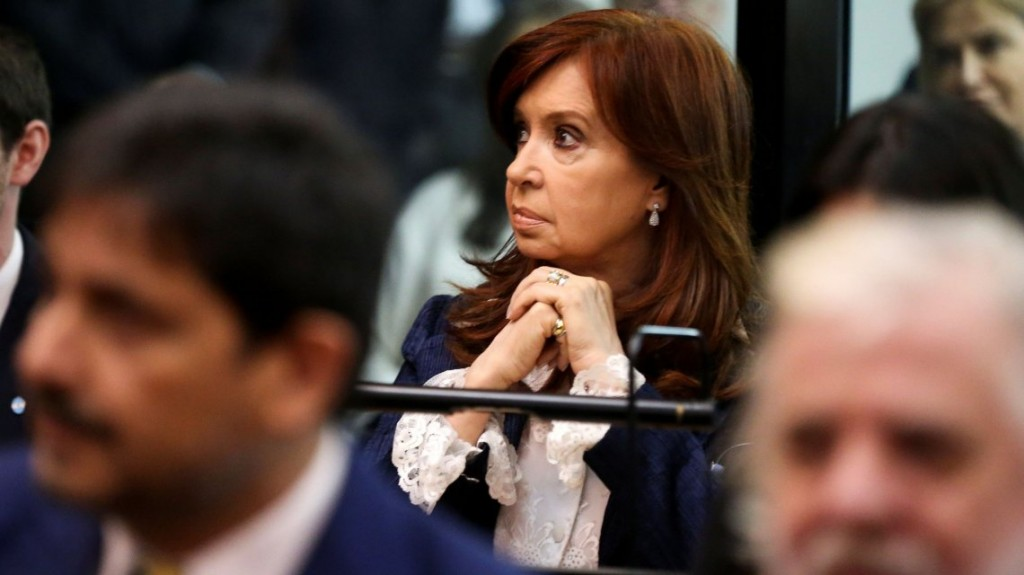 Cristina Kirchner declarará y apuntó a un