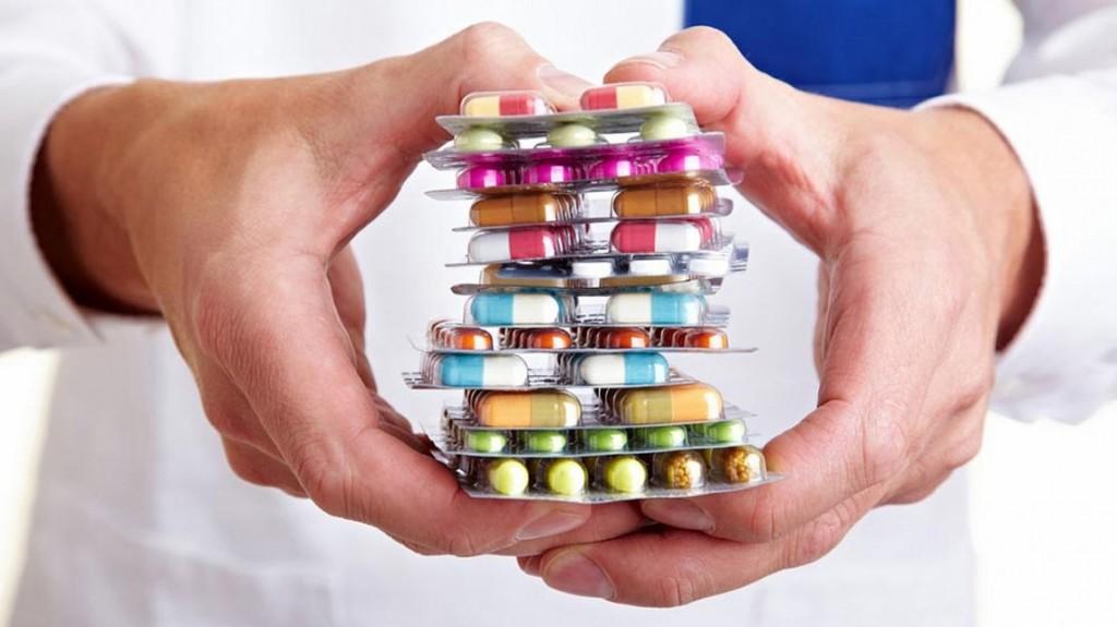 El Gobierno pidió bajar y congelar los precios de los medicamentos