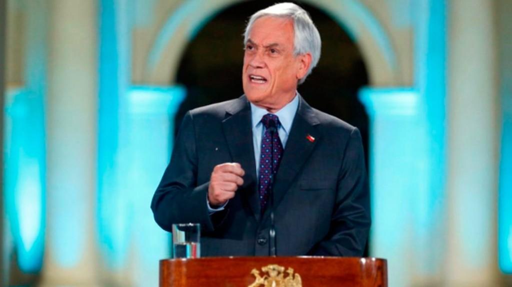 Para Piñera, los videos de la represión