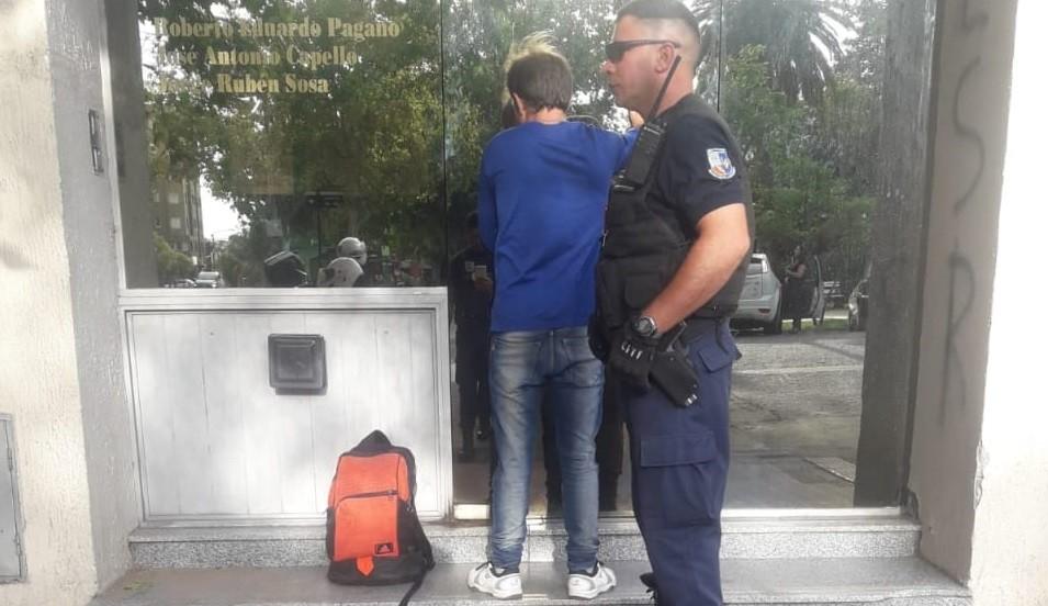 San Luis: detuvieron a un hombre que tenía en su poder un arma blanca