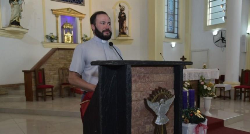 El padre Alan Sosa Tello dejará el sacerdocio