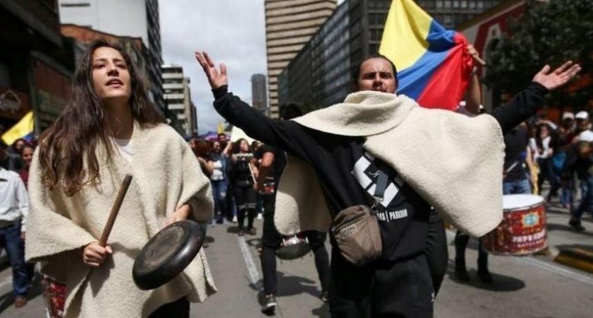Colombia: denuncian la detención de tres periodistas en una protesta