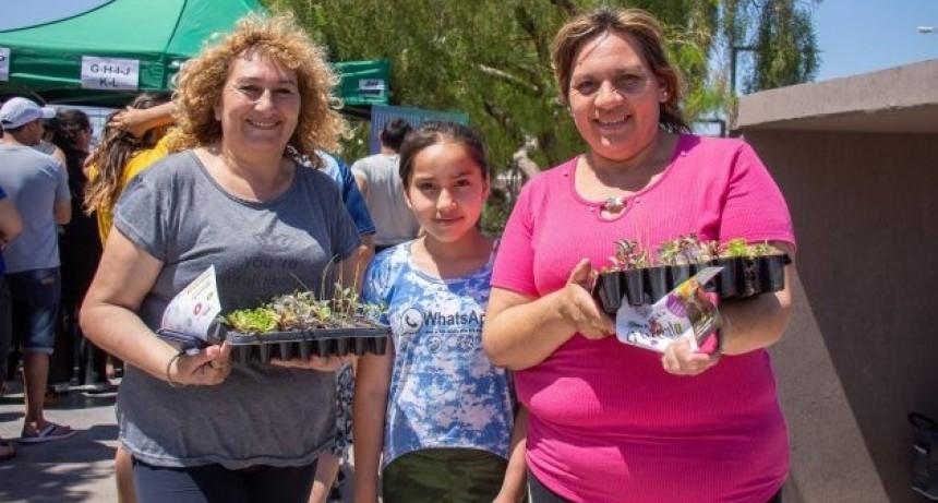 Vecinos de más de 10 barrios de Villa Mercedes recibirán sus plantines hortícolas