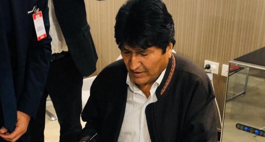 Evo Morales tras su llegada al país: