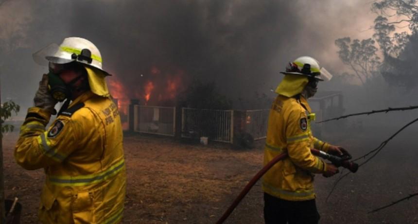 La ola de calor desató decenas de incendios en Australia: al menos 4 muertos