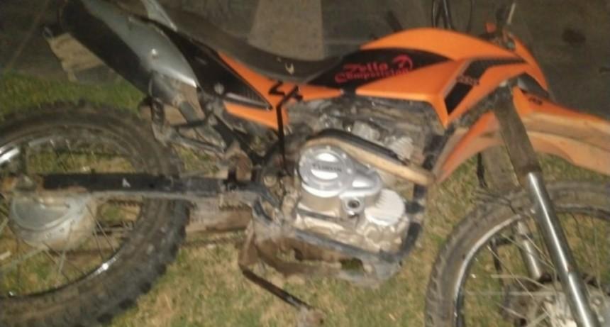 Accidente fatal: un motociclista falleció tras chocar contra una rotonda en Villa Mercedes