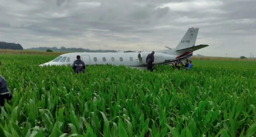 Un avión debió aterrizar de emergencia en un campo a pocos kilómetros de Mar del Plata