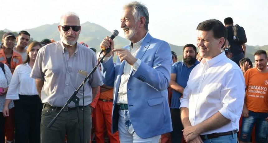 Eduardo Mones Ruiz asumió al frente del Ejecutivo provincial por licencia del gobernador