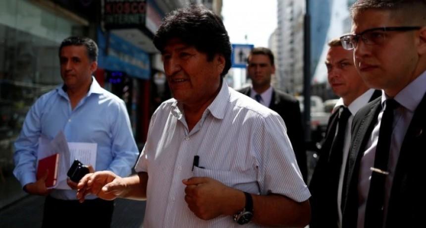 En un encuentro a puertas cerradas, Evo Morales se reúne en Buenos Aires con dirigentes del MAS