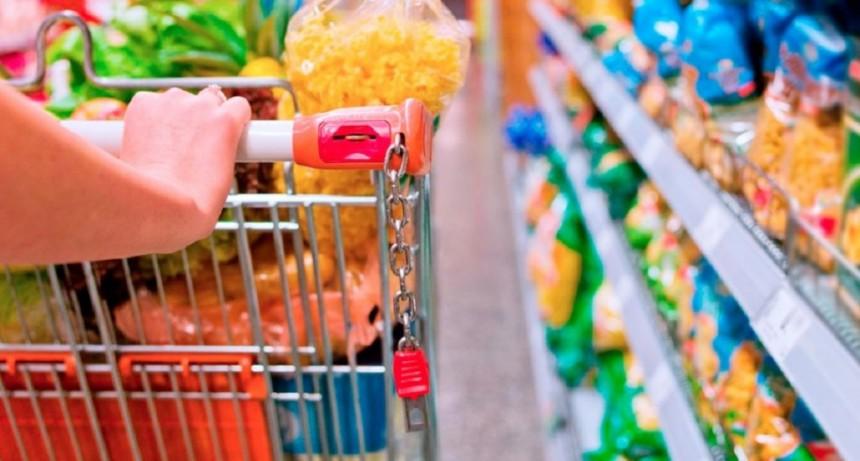Acuerdo para no trasladar el total del IVA a 27 productos de la canasta básica