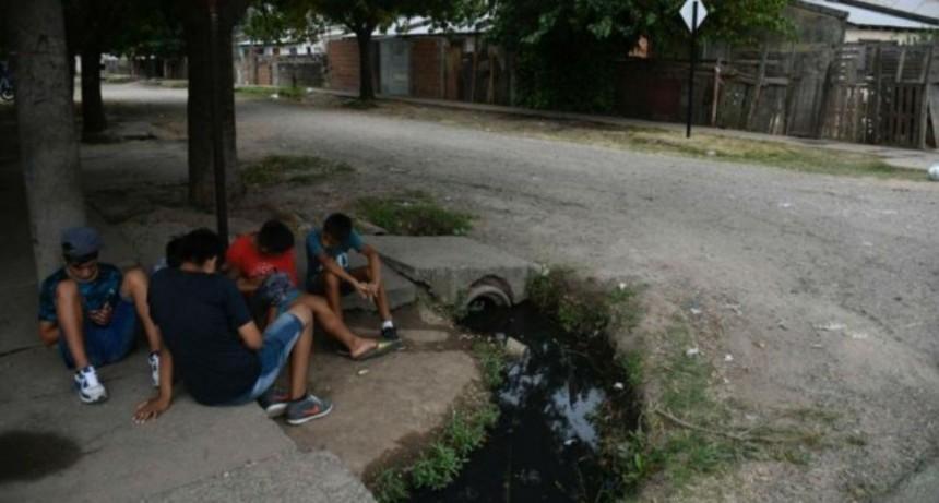 Madrugada violenta en Rosario: Matan a un pibe y a una joven