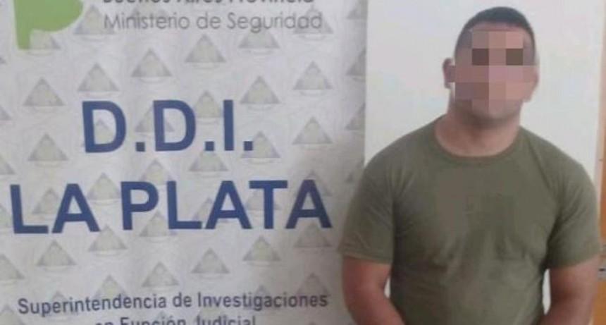 Policía golpeó a su ex y a su hijo, y les prendió fuego el departamento