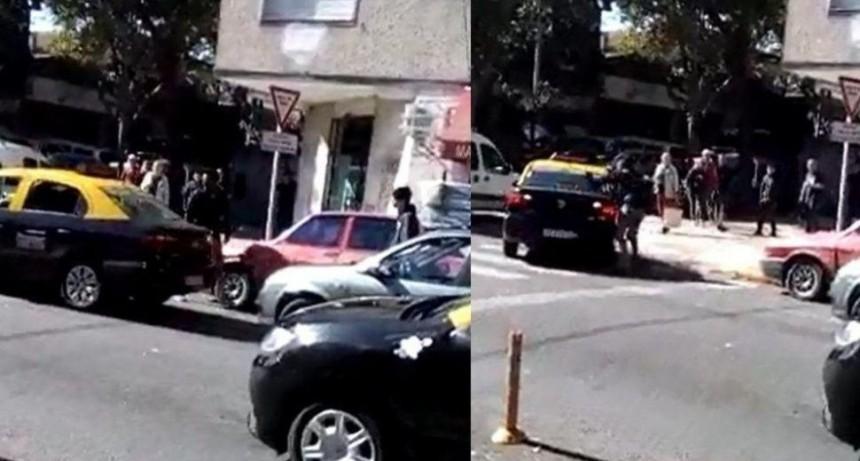 Identificaron al tachero loco de Villa Urquiza: ¿Qué sanción le aplicarán?