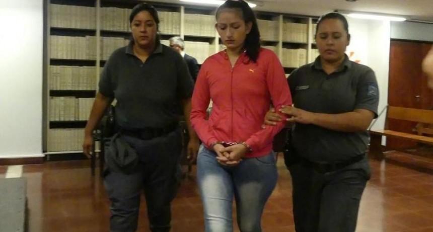Condenan 25 años prisión mujer mató hijos
