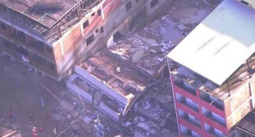 Derrumbe de edificios en Río de Janeiro: 2 muertos y 17 desaparecidos
