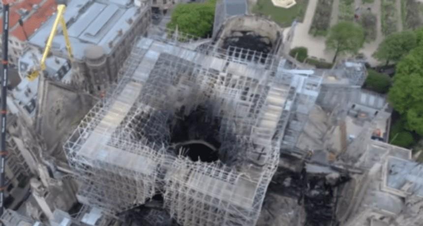 Impresionantes imágenes aéreas de Notre Dame tras el incendio