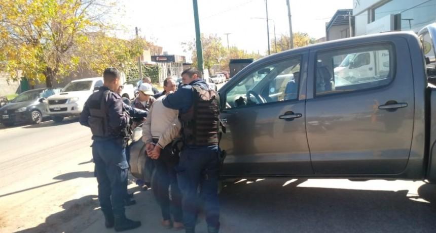 San Luis: fue sorprendido al intentar sustraer elementos de una camioneta