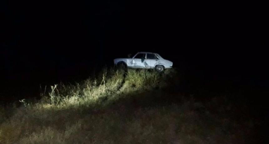 San Luis: un auto derrapó sobre la ruta 147 y termino en un descampado