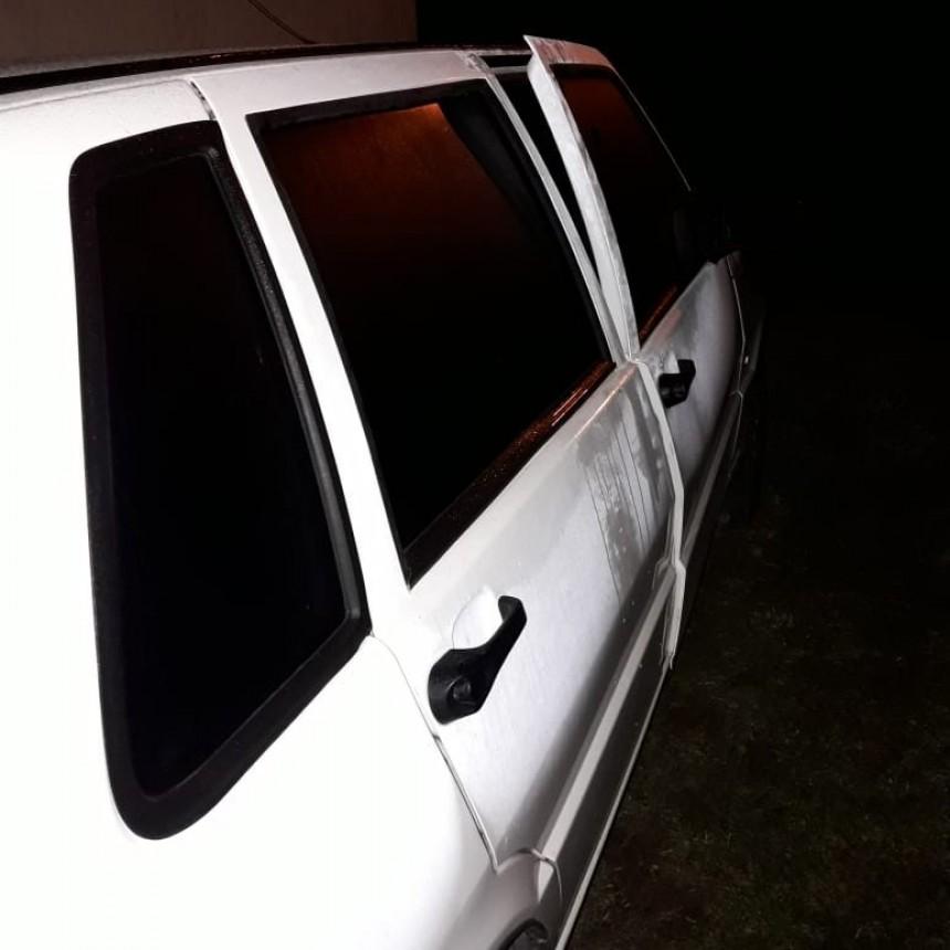 San Luis: dos hombres y un adolescente fueron aprehendidos por sustraer elementos del interior de un auto