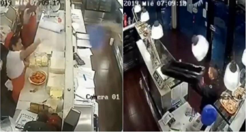 Ramos Mejía: un ladrón intentó robar una panadería y lo echaron a bandejazos