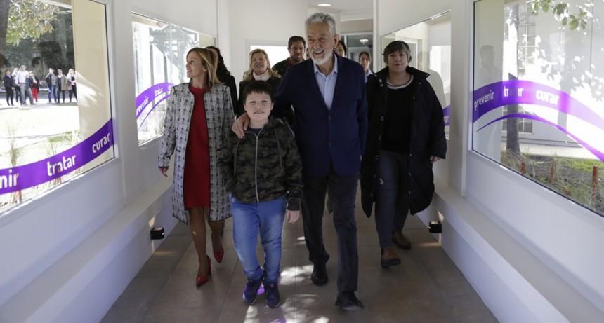 El gobernador inauguró el Centro Oncológico