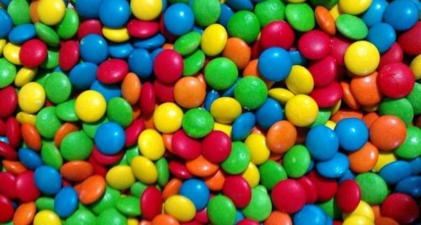 La Anmat prohibió la venta de unas pastillas de chocolate y un orégano deshidratado