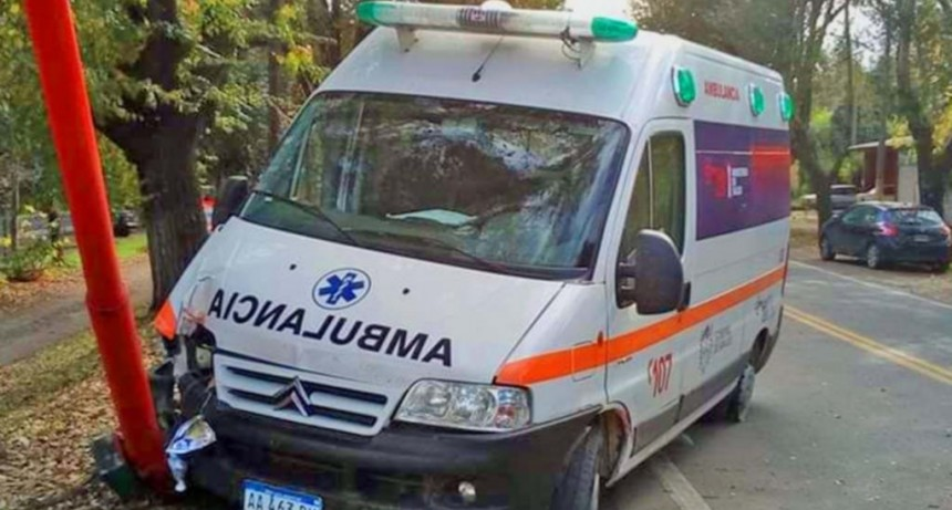 La Carolina: manejaba borracho y chocó a una ambulancia