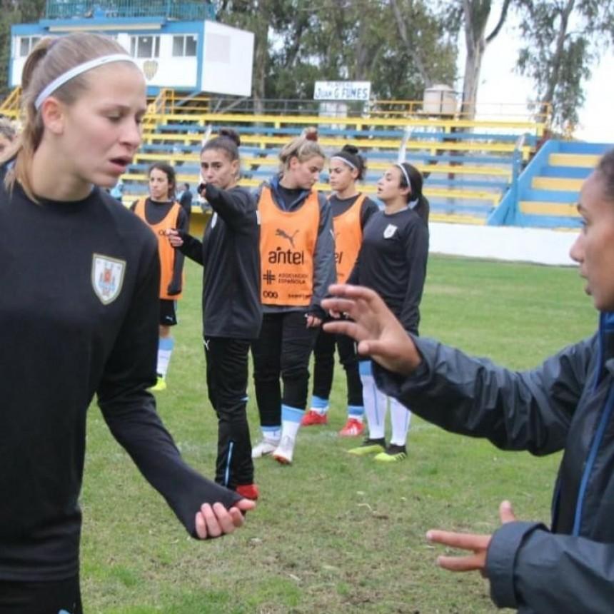 La Selección Uruguaya de Fútbol Femenino se entrena en Juventud