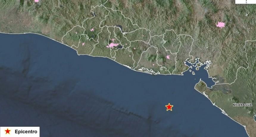 El Salvador: hubo un fuerte sismo y se activó el alerta por tsunami