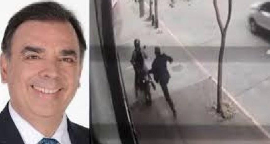 Motochorro le robó al periodista Otero