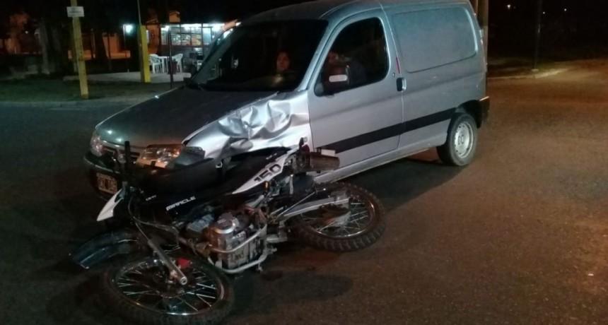 San Luis: un vehículo y una moto chocaron en la calle Martin de Loyola y Justo Daract