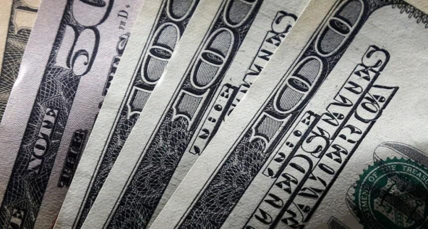 Pasó el efecto Pichetto, el dólar rebotó con fuerza y cerró a 45,17 pesos