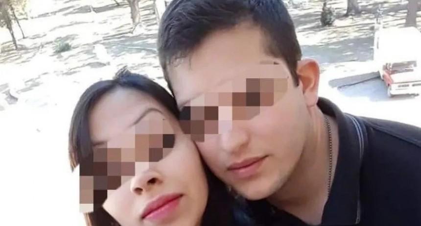 Pareja de policías discutió a los tiros y la mujer murió