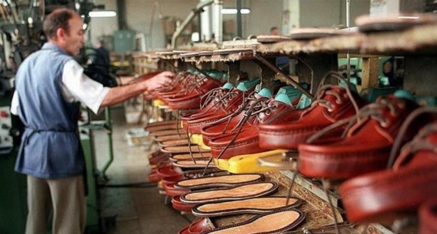La industria del calzado no repunta: se fabrican menos zapatos y a la vez las ventas no paran de caer