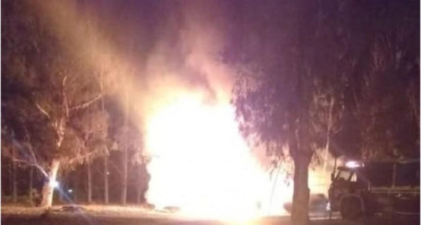 Se quiso quemar a lo bonzo e incendió una casa en la que vivían quince personas