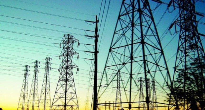 La torre 412, Transener y fallas de las distribuidoras fueron las causas del apagón, según el Gobierno