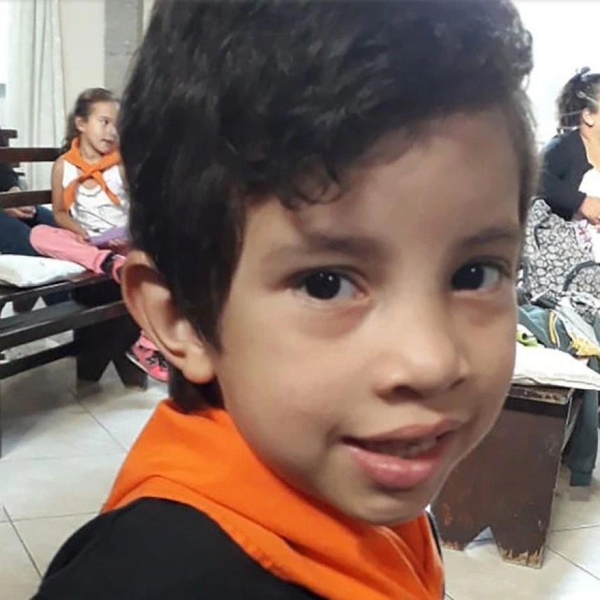 Tiene seis años, padece una grave enfermedad y para tratarse necesita uno de los cinco medicamentos más caros del mundo