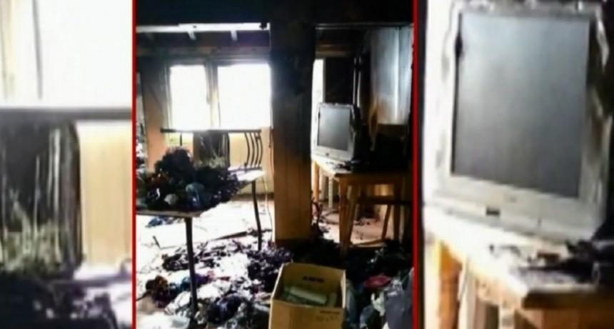 Incendiaron un local del Frente de Todos en Mendoza y denuncian que fue intencional
