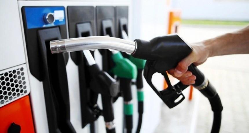 Vuelven a subir los combustibles en agosto: el aumento será de entre 2% y 2,5%