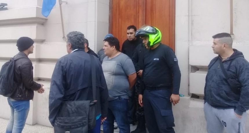 ATE tomó el edificio municipal y hubo desalojo violento de la Secretaría de Seguridad